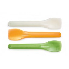 Biodegradable green and beige spoons